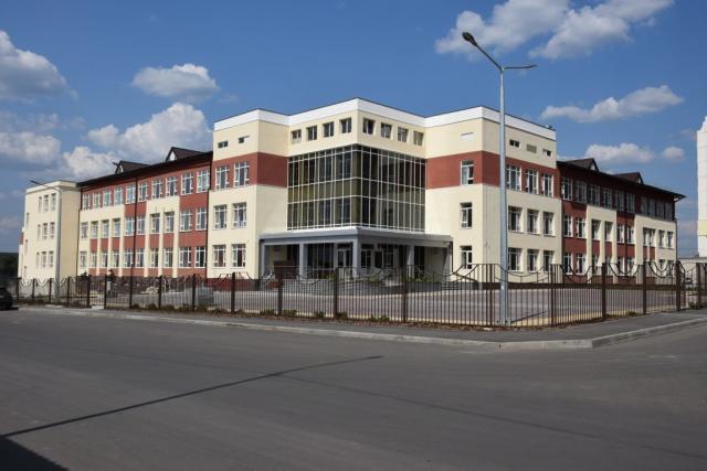 Школа в поселке Песочин