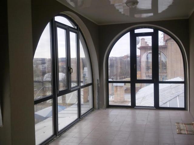 Арочные панорамные окна