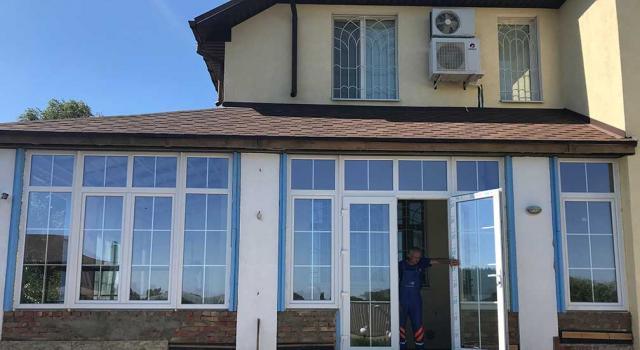 Окна с декоративными накладками, Полтава
